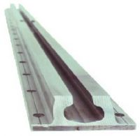 Анкерный прямой рельс с расширением мод. 17901 пр-ль WEDGE CLAMP